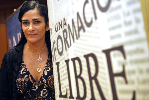 La periodista y escritora mexicana de 38 años sufrió una detención ilega...