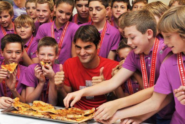 Roger Federer es uno de los tenistas más vitoreados por la afición al de...