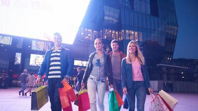 Cómo eres al ir de compras, según tu horóscopo