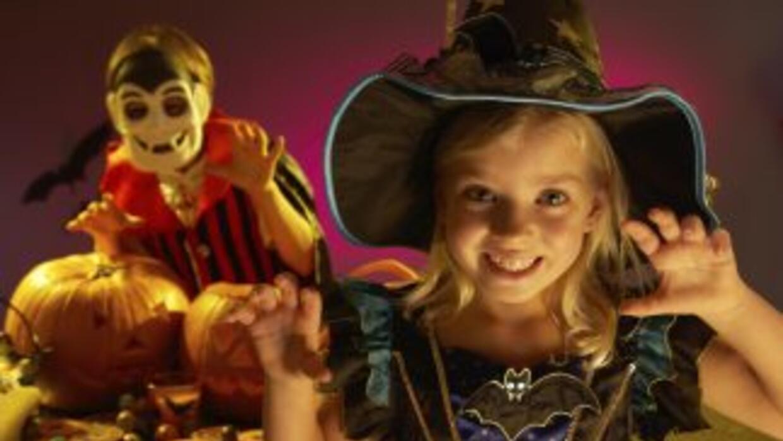 Disfruta de Halloween con tus pequeños y aprovecha para experimentar.