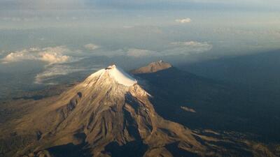 Será rescatado el cuerpo encintrado en volcán en México