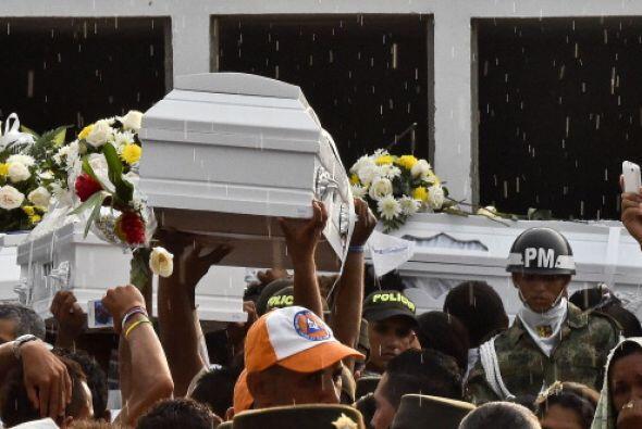 La caravana fúnebre partió de Barranquilla, capital del departamento del...