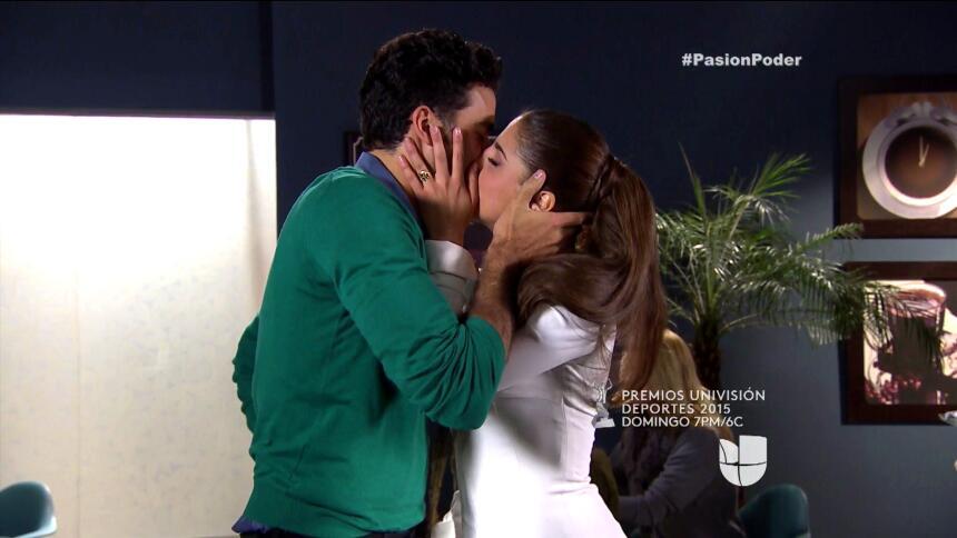 ¡David descubrió el amor entre Julia y Arturo! 1024D2D02F134B68B8931FCFF...
