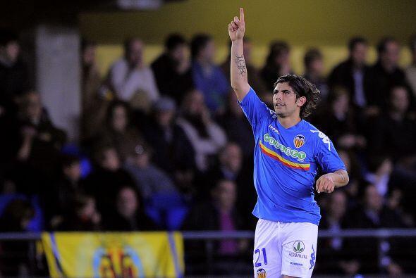 Con sólo cinco minutos disputados, Ever Banegas logró el primer gol para...