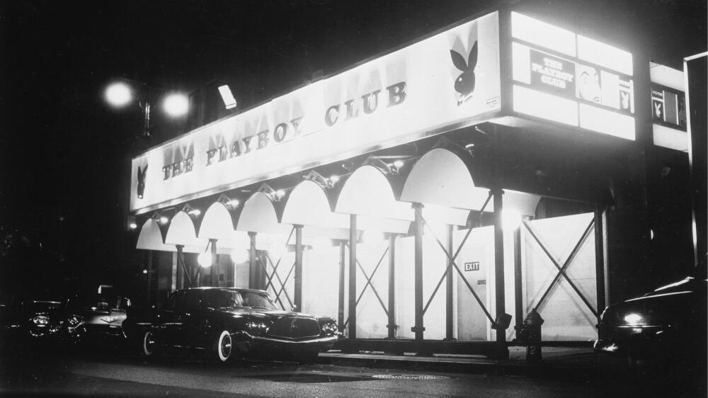Exterior del 'Club Playboy' que Hugh Hefner abrió en Manhattan,...