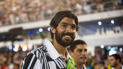 Sebastián Abreu no se cansa y está por firmar con el club 27 de su carrera