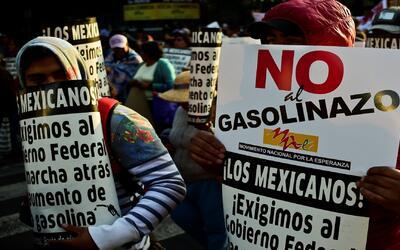 El giro de 180º de Peña Nieto con el 'gasolinazo'
