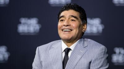 El fútbol de China va por Diego Armando Maradona