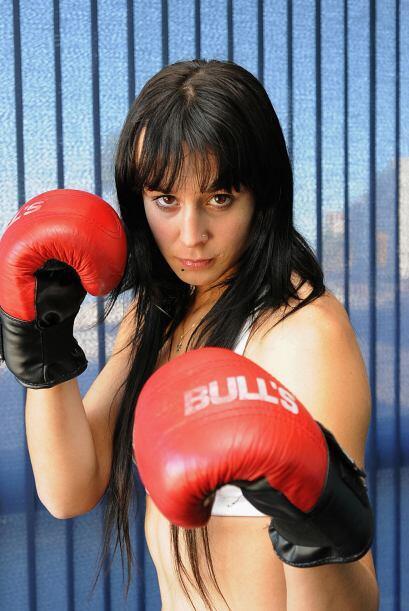 Chiris Namus no sólo ha pasado a la fama por su buen boxeo, también por...
