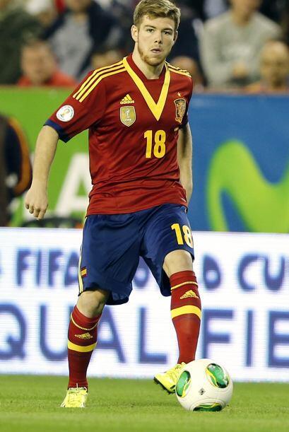 Para el lateral izquierdo se habla del jugador del Sevilla Alberto Moren...
