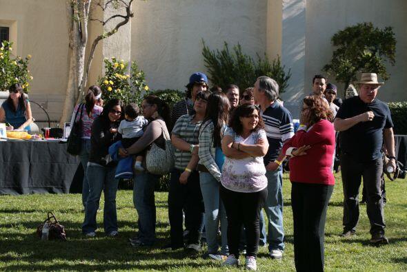 vEn la semana de ayudar al prójimo los participantes organizaron una fer...