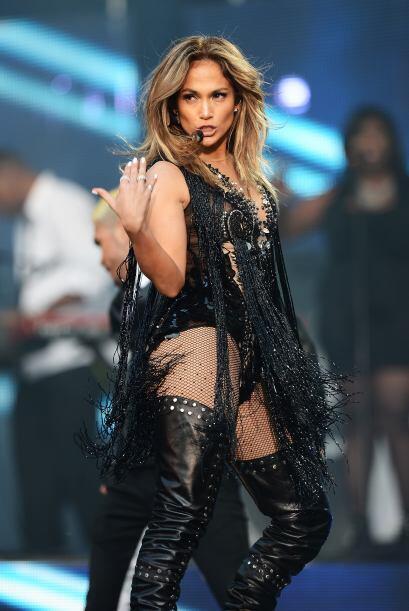Jennifer Lopez no se queda nada atrás si de ayudar se trata. Ella tiene...