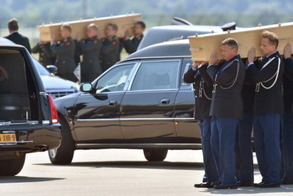 """La banda militar neerlandesa hizo sonar el himno """"Last Post"""", reglamenta..."""