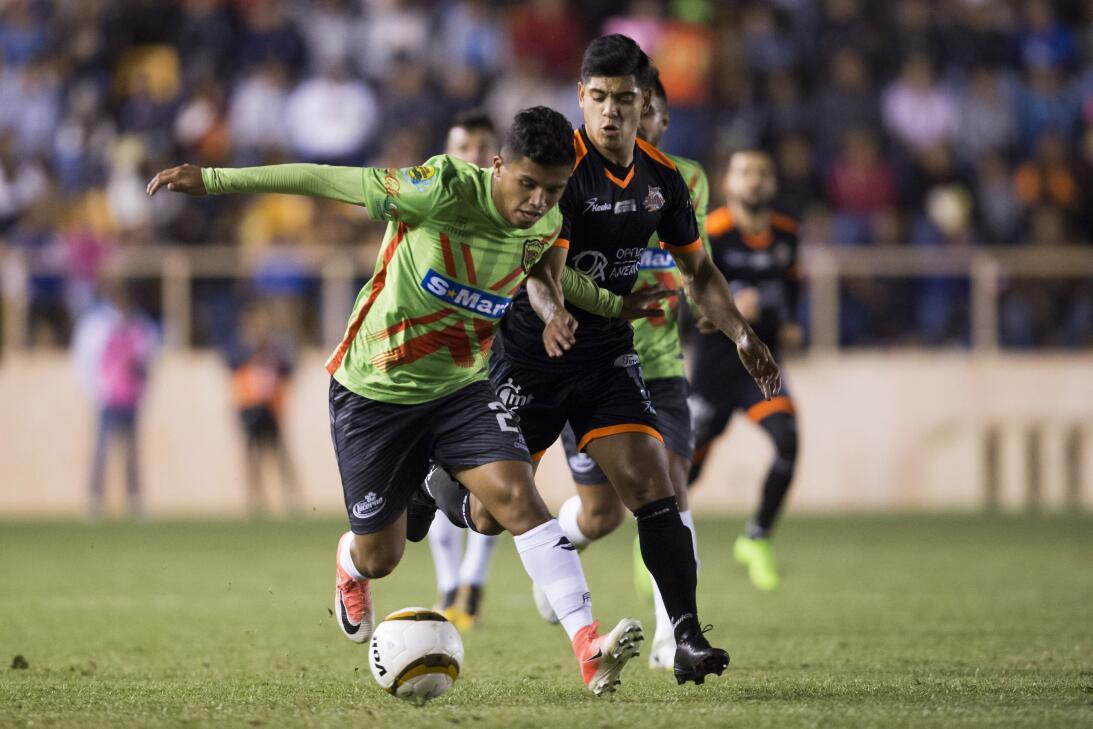 Jesús Arellano e Ían Arellano: Ían juega como mediocampista, tiene 21 añ...