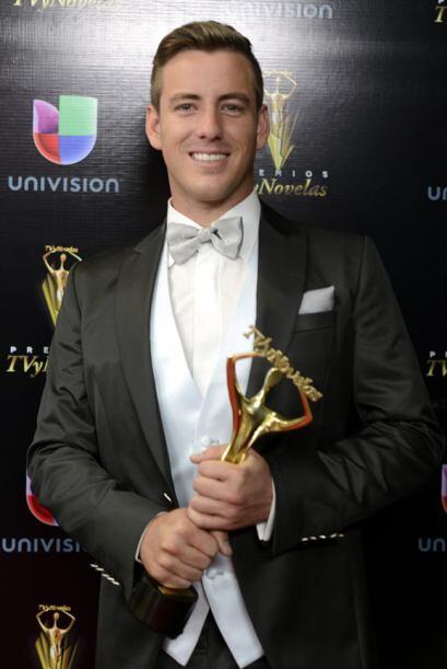 Juan Diego Covarrubias como Mejor Actor por De que te quiero, te quiero.