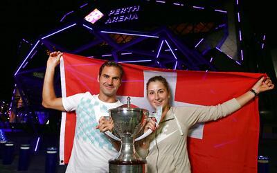 Bencic y Federer se alzaron con su primer título de la temporada.