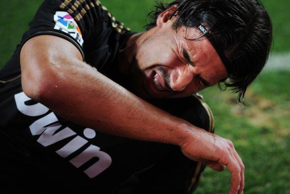El futbolista era de los mejores del partido, pero sufrió una lesión de...