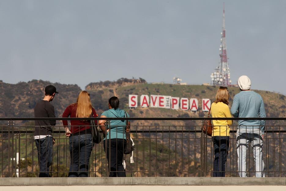 El letrero de Hollywood formó parte de la campaña 'Save the Peak&#39...