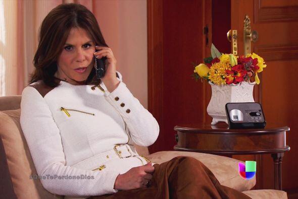 ¡Cuidado Renata! Bien sabes que no se puede confiar en Fausto.
