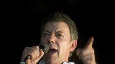 Cambios en la campaña de Santos calientan la contienda electoral colombi...