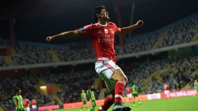 El Benfica golea a domicilio al Tondela 4-0 y cura las heridas del derbi