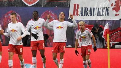 En fotos: la fiesta de Leipzig con paliza al Mainz para sostenerse arriba en la Bundesliga