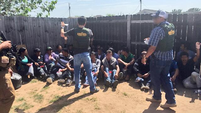 35 inmigrantes indocumentados fueron arrestados en Edinburg, Texas