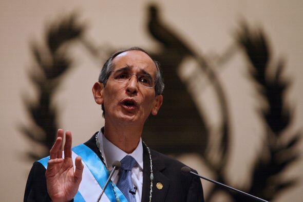El presidente de Guatemala, Álvaro Colom, decretó alerta n...