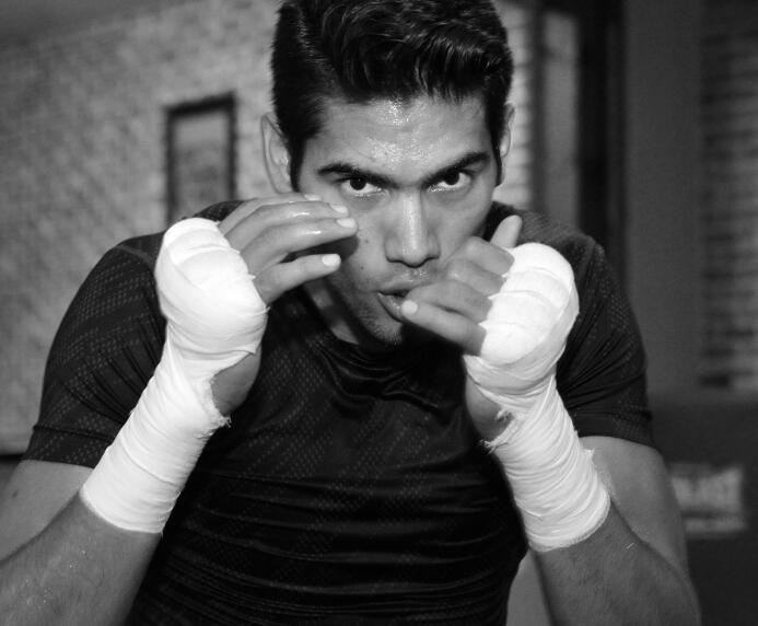 Gilberto 'Zurdo' Ramírez prepara cañones Ramirez media day_150616_007a.jpg
