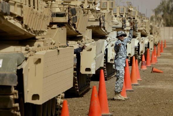 Existen unos 100,000 soldados en Afganistán. 'Debido a los progresos que...