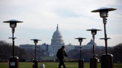 A pocas horas de vencerse el plazo los congresistas aún no llegan a un a...