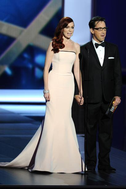 Los trajes que lucieron las damas en los Premios Emy demuestran que el a...