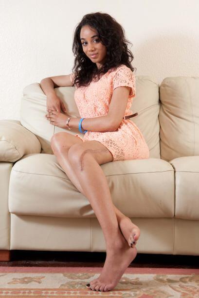 Elena  encontró trabajo de modelo, en una agencia especializada en el mo...
