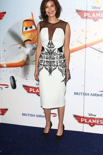 Existen otras prendas como el vestido de  Teri Hatcher que ofrece una co...