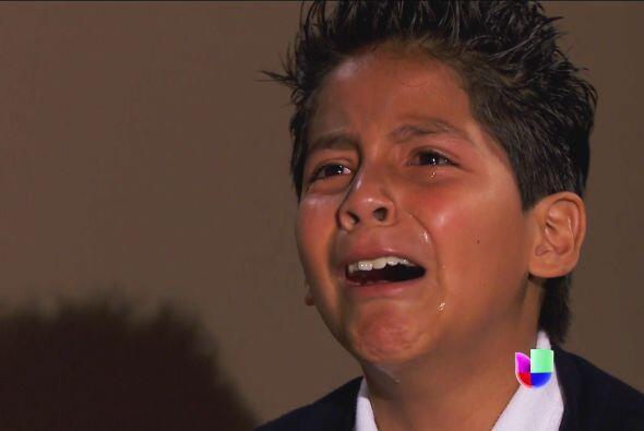 Se enteró de que Armando no es su verdadero padre.
