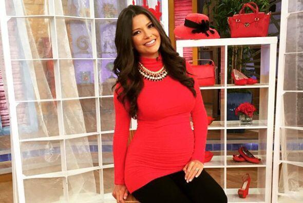 Ana Patricia González, la ex reina de Nuestra Belleza Latina, espera su...
