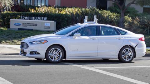 Las pruebas de auto conducción se inician en las carreteras de California