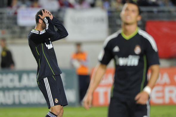 Real Madrid y Barcelona debutaron en la edición 2010-11 de la Copa del R...