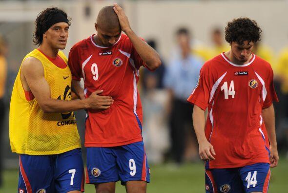 Y mientras los hondureños festejaban, los costarricenses se lamen...