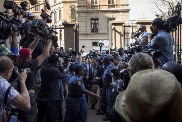 Desde las primeras horas el Tribunal comenzó a ser invadido por periodis...