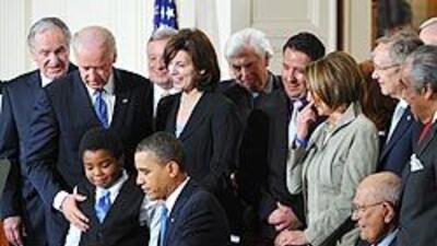 Obama firmó la ley de reforma del sistema de salud f84c2adbe6dd4d8888434...