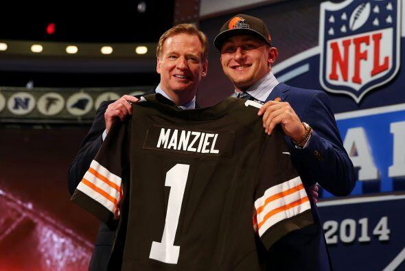 Johnny Manziel fue seleccionado hasta el pick 22, fue reclutado por los...