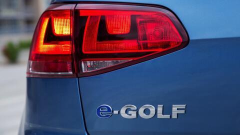 Volkswagen llama a revisión a 5,000 E-Golf