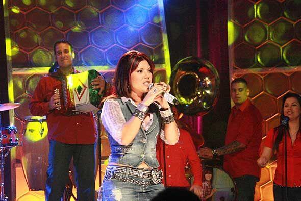 La cantante promociona su disco 'Amame, besame'.