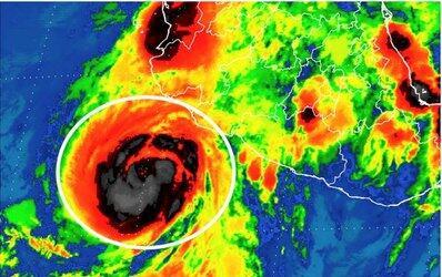 Dora se intensificó a huracán frente a Colima y Jalisco, y...