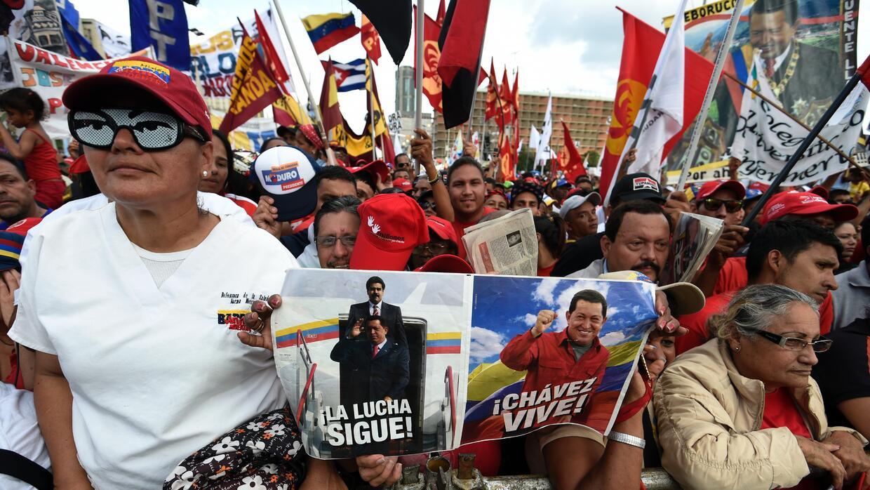"""En su campaña, el chavismo llamó a """"votar"""" por el fallecido Hugo Chávez."""