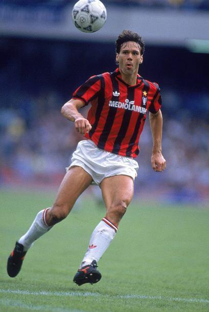 1989: Marco van Basten fue el líder del Milan, gracias a sus 10 goles en...