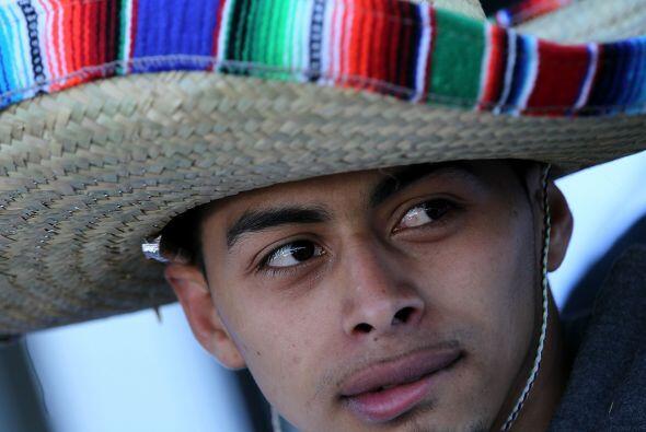 Para estar representados adecuadamente, los hispanos deberían contar con...