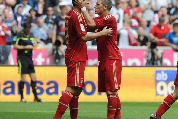 Tomás Muller celebró con mucho amor el triunfo del Bayern...