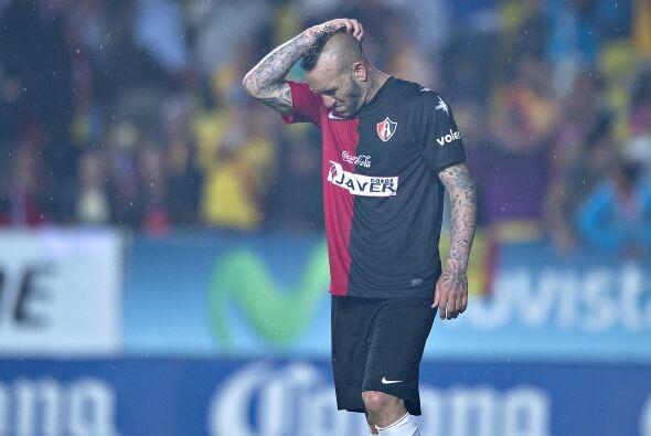Matías Vuoso, Leandro Cufré y Lucas Ayala fallaron desde el manchón y au...